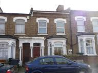 Hartham Road Flat to rent