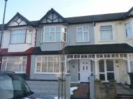 3 bedroom house in Sandringham Road, London...