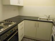 Ground Flat in Mahon Close, Enfield, EN1