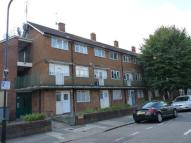 Maisonette to rent in ROSEBERRY GARDENS...