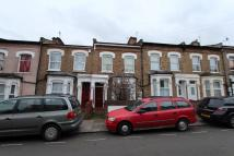 2 bed Ground Flat to rent in Hartham Road, London, N17