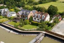 5 bedroom Detached house for sale in Kingsmans Farm Road...