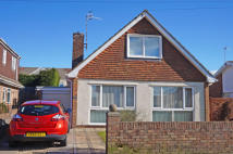 4 bed Detached house in Rolls Avenue...