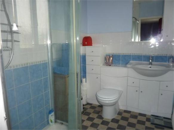 En Suite Shower Roo