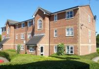 Flat to rent in TAUNTON DRIVE...
