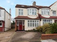 4 bedroom End of Terrace house for sale in HILLCOURT AVENUE...