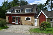 Detached property to rent in Thirtover, Thatcham