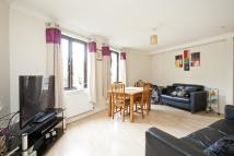 2 bed Flat to rent in Plough Way, Surrey Quays...