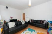 Flat to rent in Egerton Gardens...