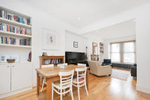 2 bed Terraced property to rent in Silvester Road...