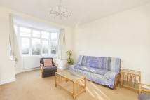 3 bed Terraced house to rent in Kingslyn Crescent...