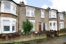3 bedroom Flat to rent in Merritt Road, Brockley...