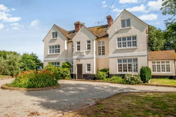 9 bedroom detached house for sale in stoke road