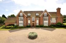 3 bed Flat in Hall House, Moor Hill...
