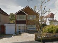 Detached property to rent in Glenfield Avenue...