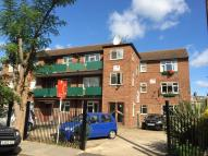 2 bed Flat for sale in Avenue Road, Acton...