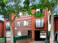 2 bedroom Flat in Warwall, London, E6 6WG