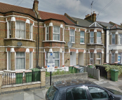 2 bedroom Flat in Studley Road...