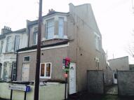 Maisonette in Barrington Road, London...
