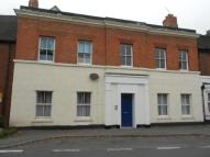 Ground Flat to rent in Shropshire Street...