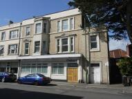 Flat to rent in Lansdowne Road...