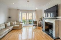 4 bed Detached house in Trinity Church Road...