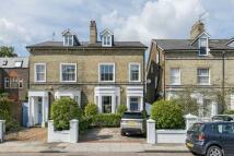 5 bedroom semi detached property in Beverley Road