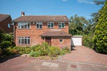 4 bed Detached property in Southborough...