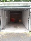 Garage in Ken Elm Court to rent