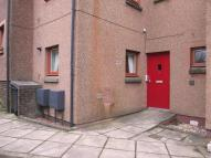 Ground Flat to rent in Delves Court, Lanark...