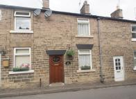 2 bedroom Cottage in Old Road, Whaley Bridge...