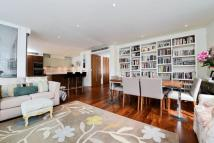 3 bed Flat for sale in Dolben Street, Borough