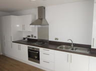 2 bed Apartment in RIDGE PLACE, Orpington...