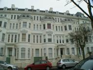 Flat to rent in Clifton Gardens...