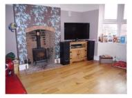 A quality furnished double room in a 5 bed character home - Newtown House Share