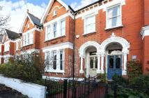 5 bed Terraced home in Holmdene Avenue...