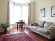 Flat to rent in Trinity Rise, Herne Hill