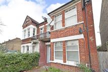 Flat to rent in Rosendale Road...