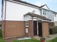 Flat to rent in Humphries Way, Milton...
