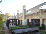 3 bedroom property to rent in Henslow Mews, Cambridge,