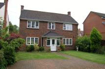 Detached property in Pine Grove, Windlesham