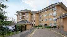 Apartment to rent in Thames Court, Reading