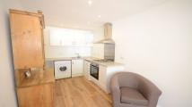 Apartment to rent in The Warren, Caversham