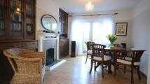 4 bedroom semi detached property to rent in Hemdean Rise, Caversham