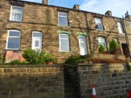 2 bedroom Terraced house to rent in Surrey Street, Batley...