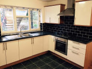 2 bedroom Apartment to rent in Graham Road, London, E8