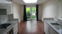 Apartment to rent in Preston Drove, Brighton...