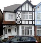 Apartment in  Egerton Gardens...