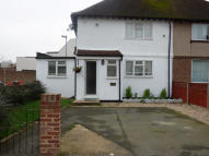 3 bedroom semi detached property to rent in  Waters Road...