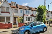 4 bed Flat in Links Road